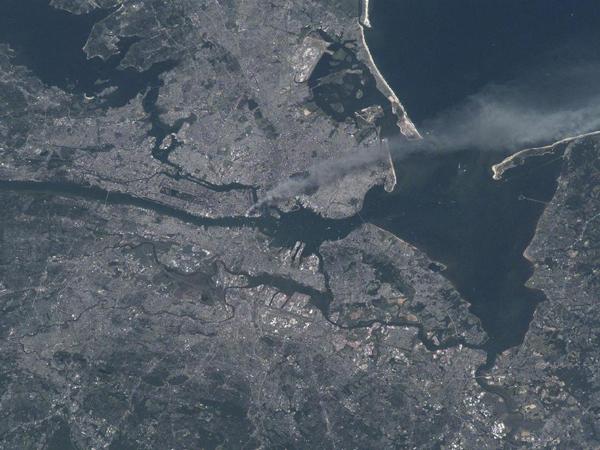 Il 9/11 a New York visto dallo spazio