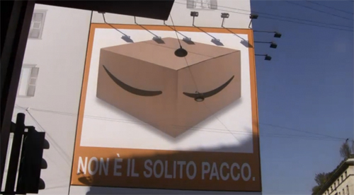 Il cartellone pubblicitario di Amazon