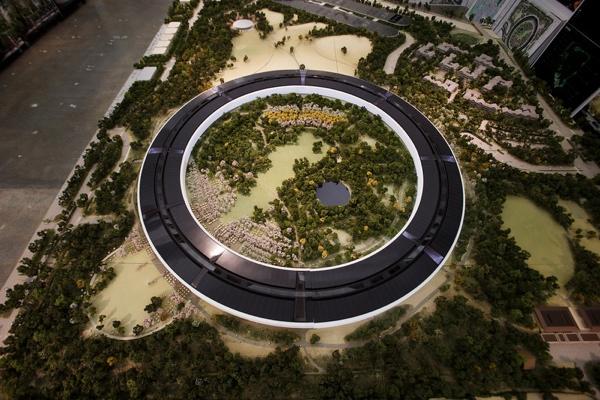 Il plastico del nuovo campus di Apple