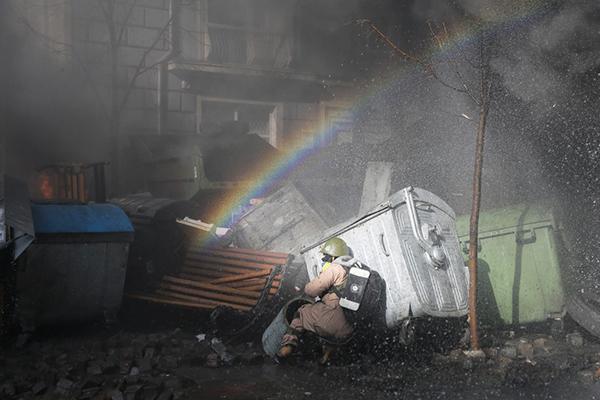 Arcobaleno tra le proteste a Kiev