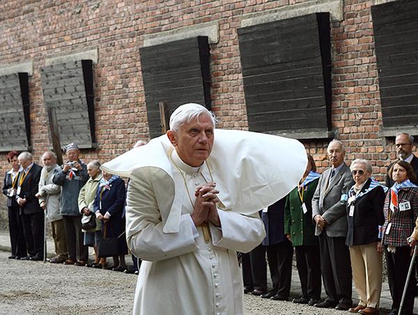 Benedetto XVI ad Auschwitz