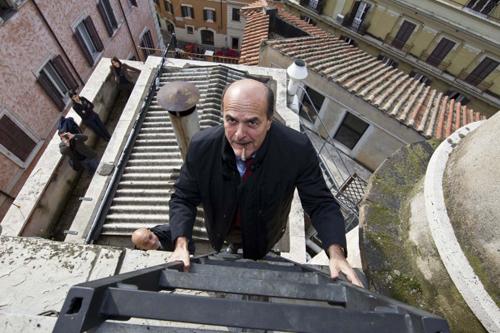 Bersani raggiunge il tetto dell'università La Sapienza