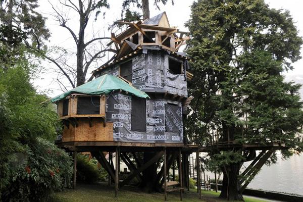 La casa abusiva sull'albero di Dell'Utri