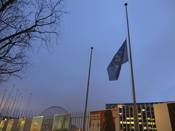 Le bandiere a mezz'asta dell'UNESCO
