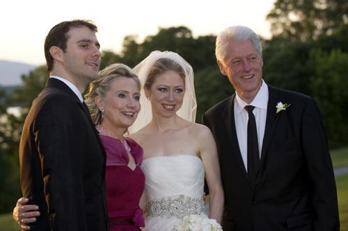 Chelsea con suo marito e i genitori