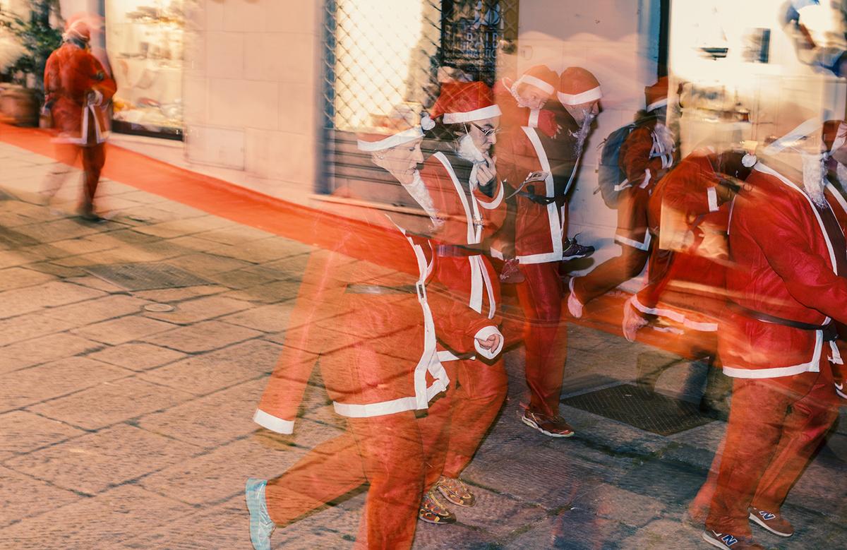 La Corsa dei Babbi Natale 2016 a Savona