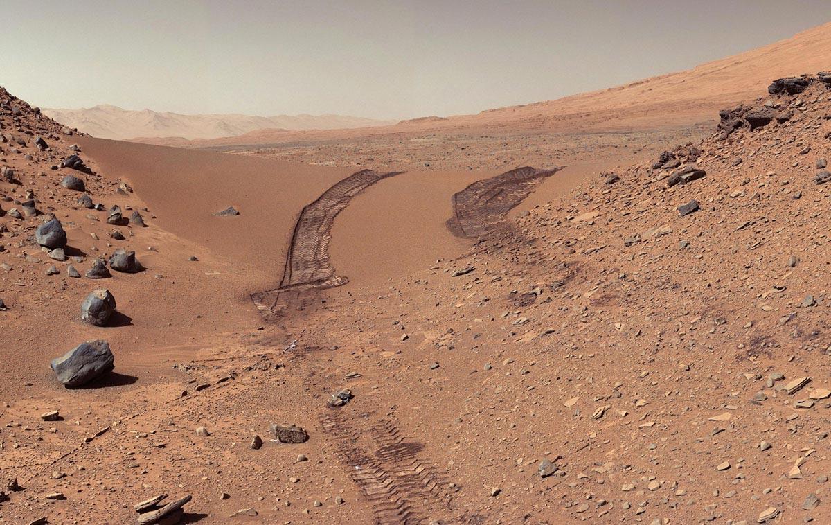 Tracce lasciate dal rover Curiosity su Marte