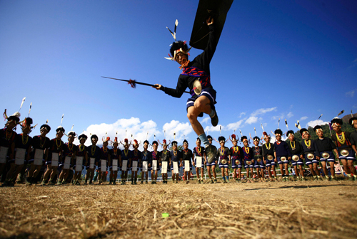 Ballo tradizionale della tribù Naga