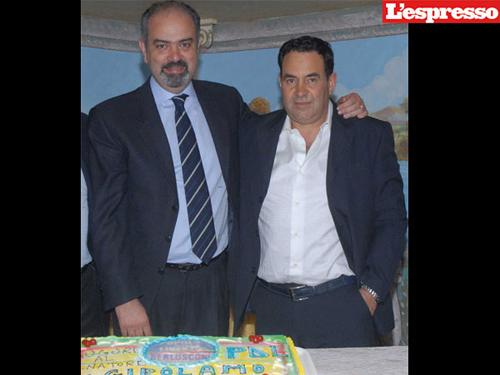 Il senatore del PdL Di Girolamo alla sua festa di compleanno, in compagnia del boss della 'ndrangheta Franco Pugliese