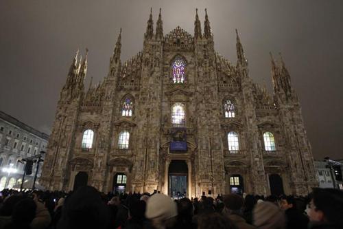 La nuova illuminazione delle vetrate del Duomo di Milano