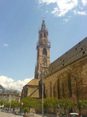 Il Duomo da Piazza Duomo (Bolzano)