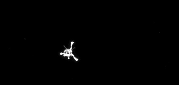 La foto della discesa del lander Philae sulla cometa