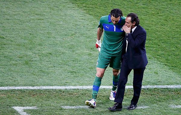 Cesare Parandelli e Buffon durante la finale di Euro 2012
