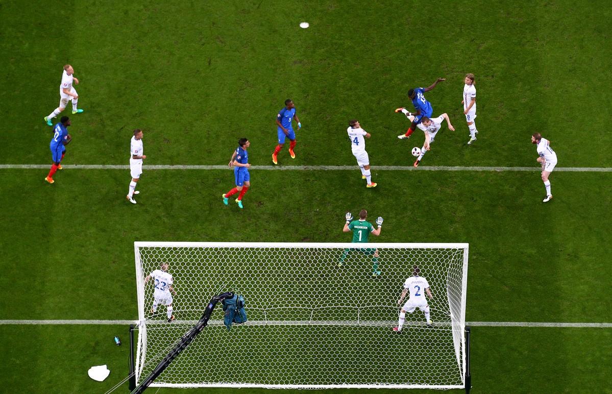 Il gol di Paul Pogba contro l'Islanda a Euro 2016