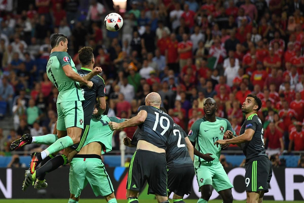 Ronaldo segna contro il Galles a Euro 2016