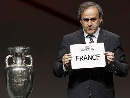 Platini assegna l'Euro 2016 alla Francia