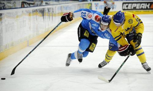 Un momento della finale tra Finlandia e Svezia