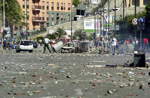 Corso Marconi a Genova distrutto nel 2001