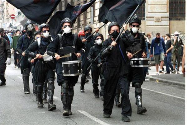Una banda di pirla al G8 di Genova del 2001