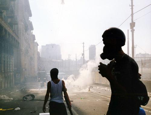 Scontri al G8 di Genova del 2001 in corso Gastaldi