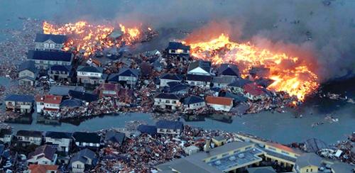 La devastazione dello tsunami che ha colpito il Giappone
