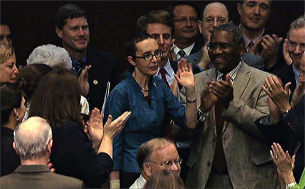 Gabrielle Giffords ritorna alla Camera dei Rappresentanti