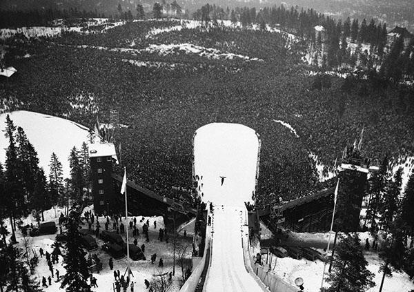 Salto dal trampolino a Oslo 1952