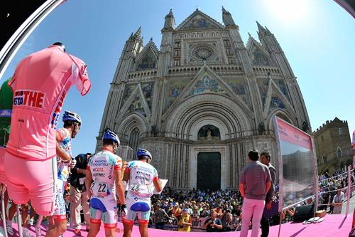 Il Giro d'Italia e il Duomo di Orvieto