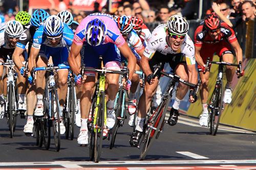 Il primo arrivo in volata al Giro d'Italia