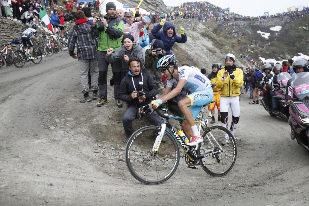 Aru sul colle delle Finestre al Giro d'Italia 2015