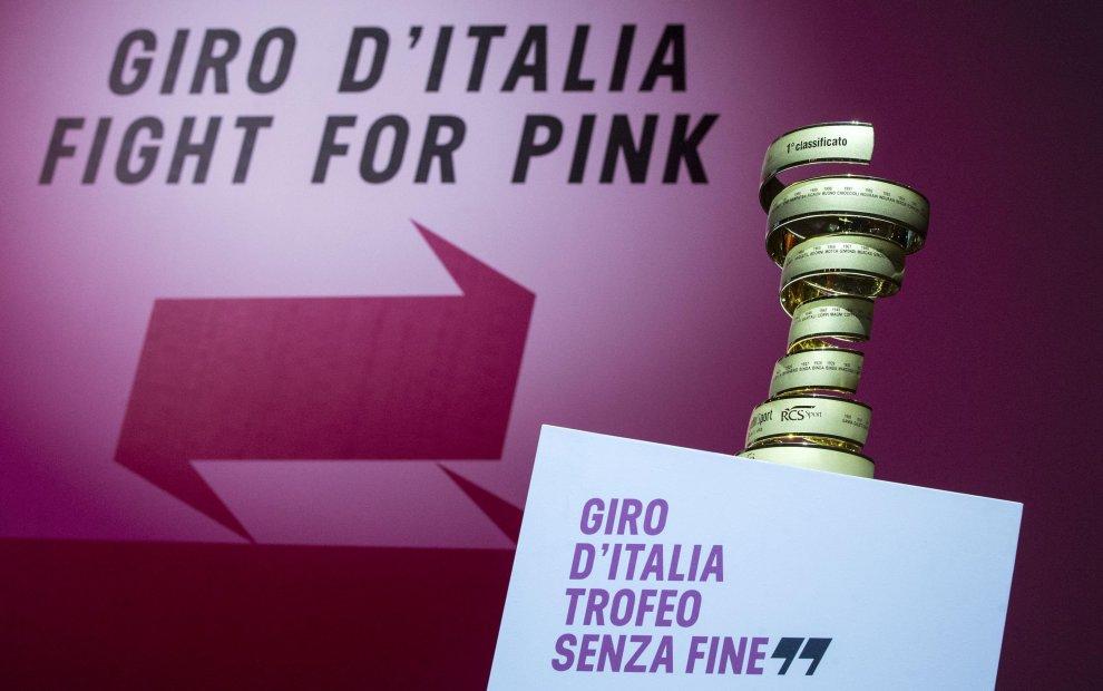 Il Trofeo Senza Fine del Giro d'Italia 2016