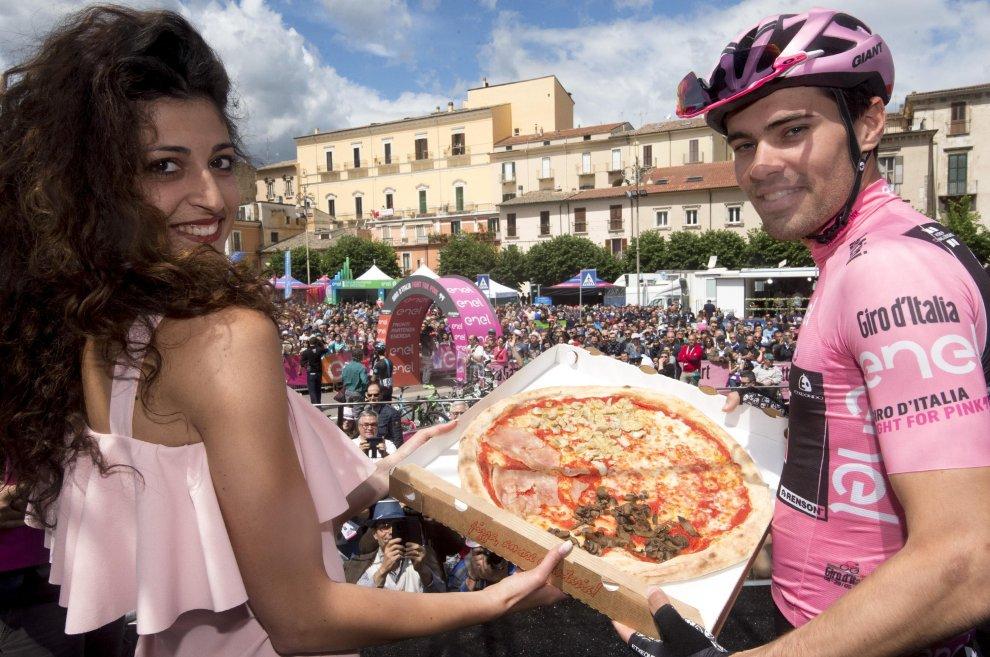 Una pizza e Dumoulin al Giro d'Italia 2016