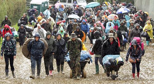 Pioggia al Glastonbury Festival