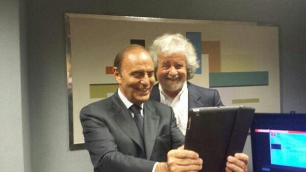 Il selfie di Grillo e Vespa