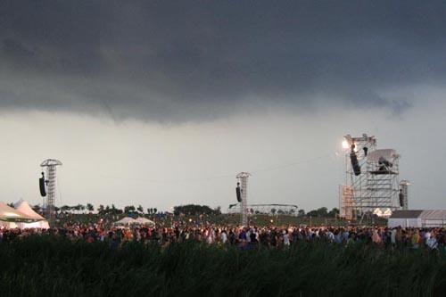 Il maltempo colpisce il concerto dell'Heineken Jammin' Festival