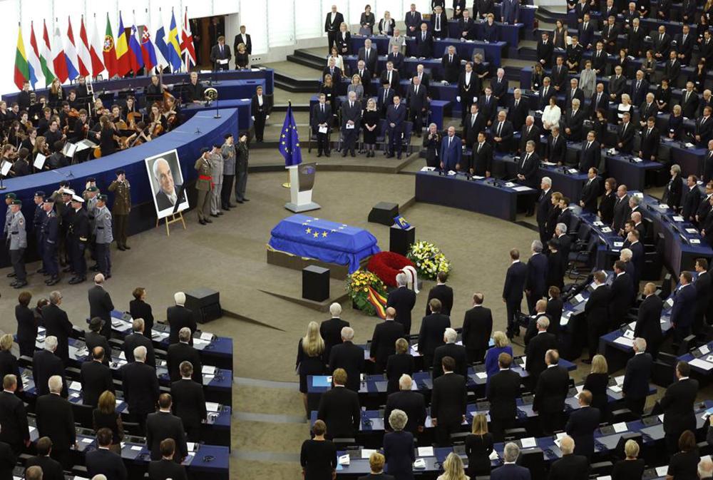I funerali di Kohl all'Europarlamento