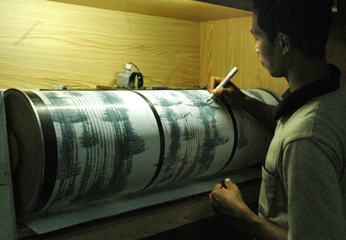 I sismografi registrano lo sciame sismico in Indonesia