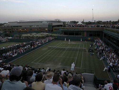 Il match tra Isner e Mahut sospeso per notte dopo dieci ore di incontro