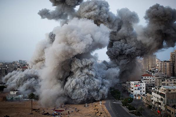 Israele colpisce un obiettivo a Gaza