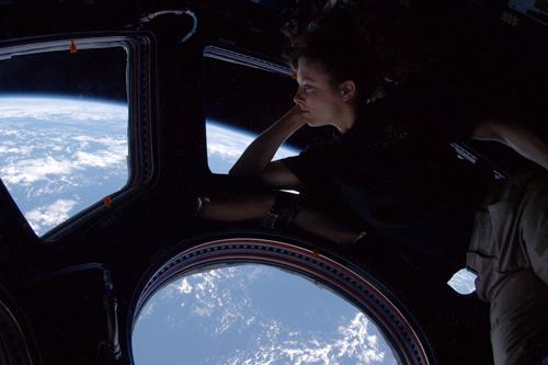 Tracy Caldwell Dyson a bordo della Stazione Spaziale Internazionale