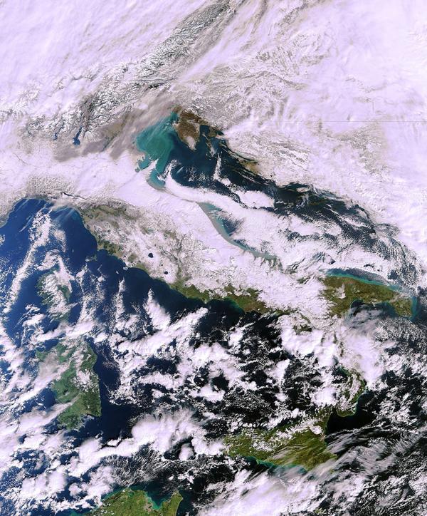 Italia coperta di neve