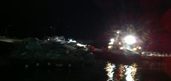 La Jolly Nero contro il Molo Giano a Genova