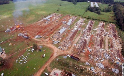 Fattorie rase al suolo dopo il passaggio dell'uragano Katrina