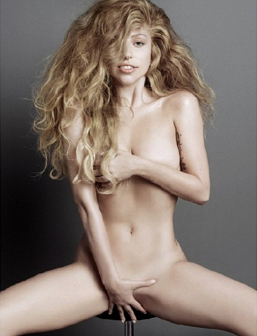 Lady Gaga nuda