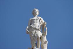 Apollo sulla sommità del teatro Chiabrera di Savona