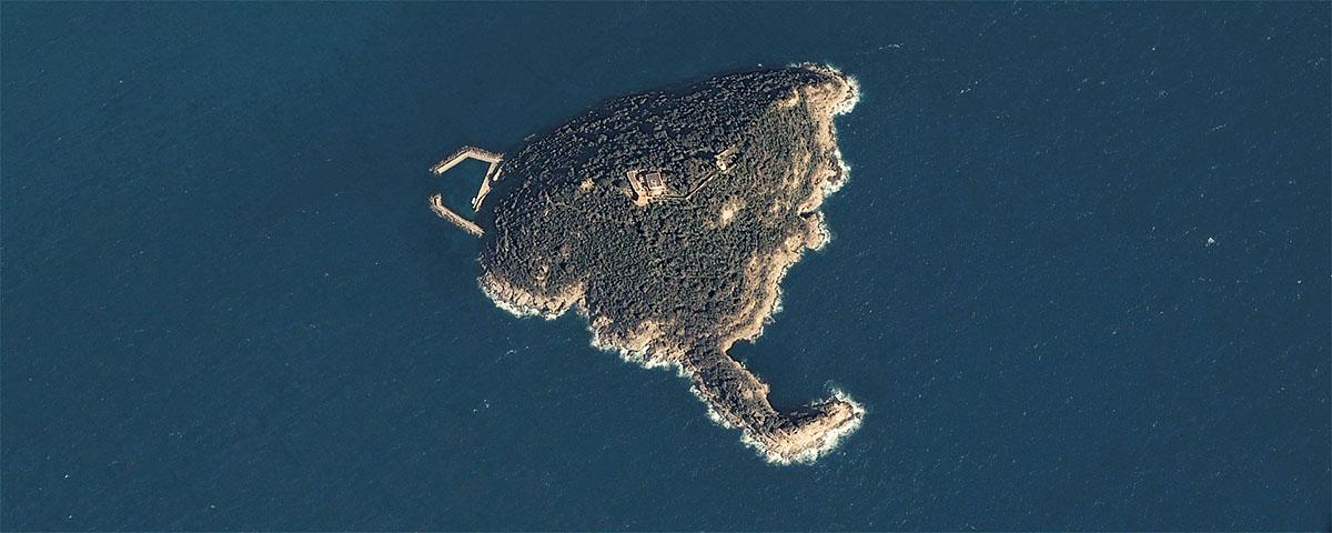 L'isola della Gallinara vista dallo spazio