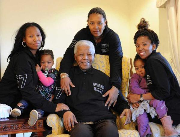 Nelson Mandela e la sua famiglia