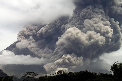 Il vulcano indonesiano Merapi