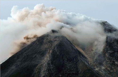 L'eruzione del vulcano Merapi