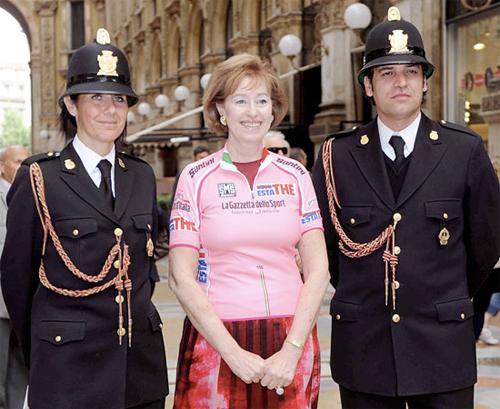 Il sindaco Moratti in maglia rosa